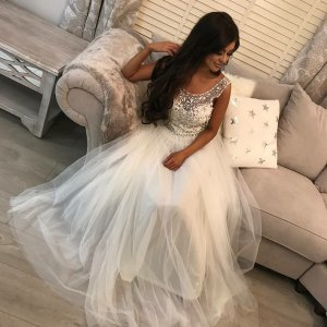 A-Line Round Neck Backless Floor-Length White Tulle Prom Dress with Beading