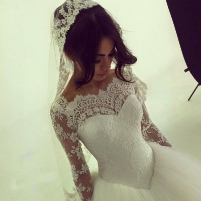 Chic Ball Gown Wedding Dresses/Bridal Gown - Bateau Lace with Long Sleeves
