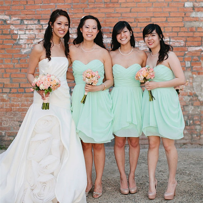 Hot Sale A-Line Sweetheart Knee Length Chiffon Mint Bridesmaid Dress With Ruched