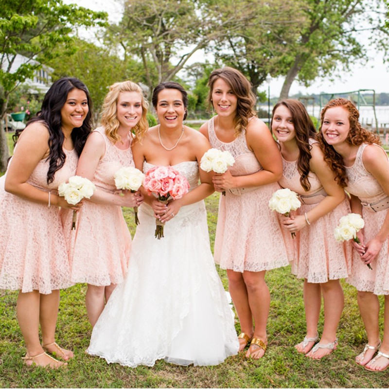 A-Line Scoop Sleeveless Short Pink Lace Bridesmaid Dress