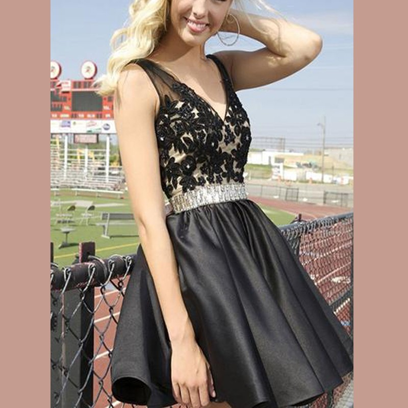 V-neck Short Beaded Waist Black Homecoming Dresses with Appliques