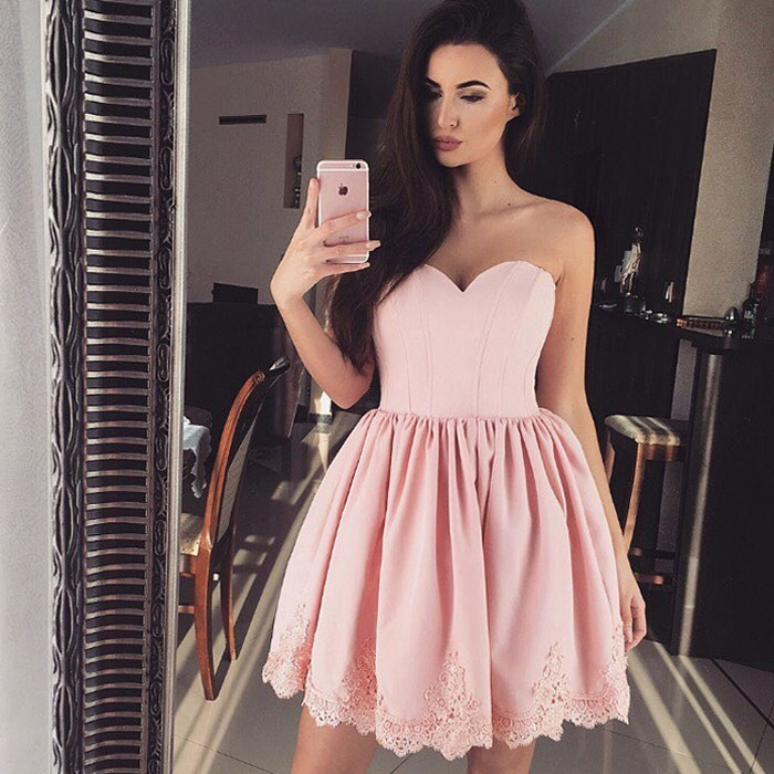 A-Line Sweetheart Short Pink Satin Homecoming Dress with Appliques