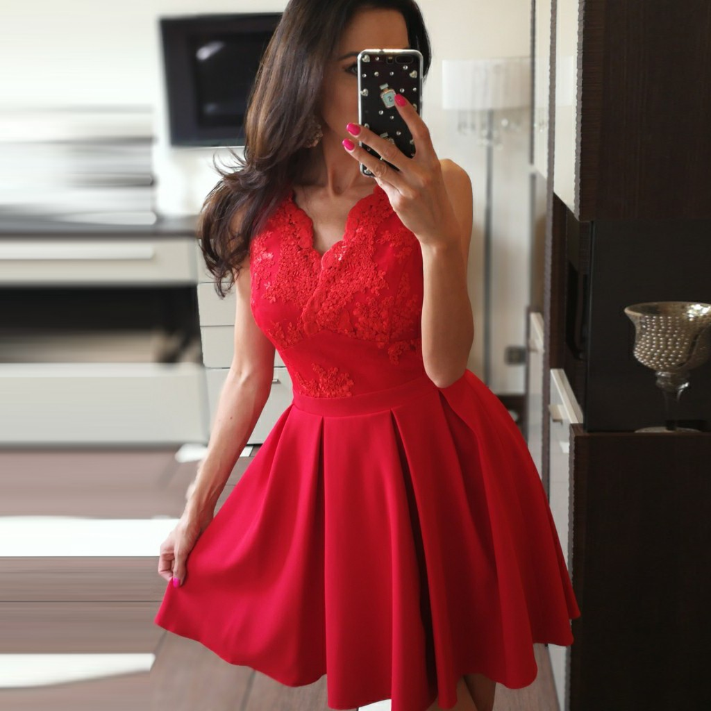 A-Line V-Neck Short Red Satin Homecoming Dress with Appliques