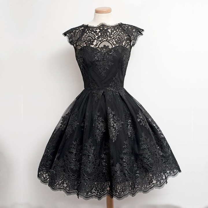 Knee Length Vintage 1950s Tulle Homecoming/Prom Dress -- Black Ball Gown with Appliques
