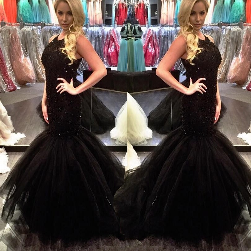 Sexy Long Mermaid Prom Dress - Black O-Neck Appliques with Beaded