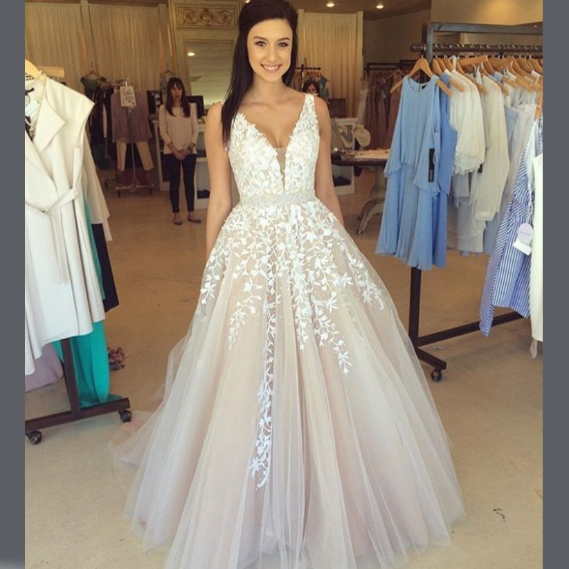 b9573d7355 A-Line V-Neck Champagne Tulle Prom Dress with Beading Appliques