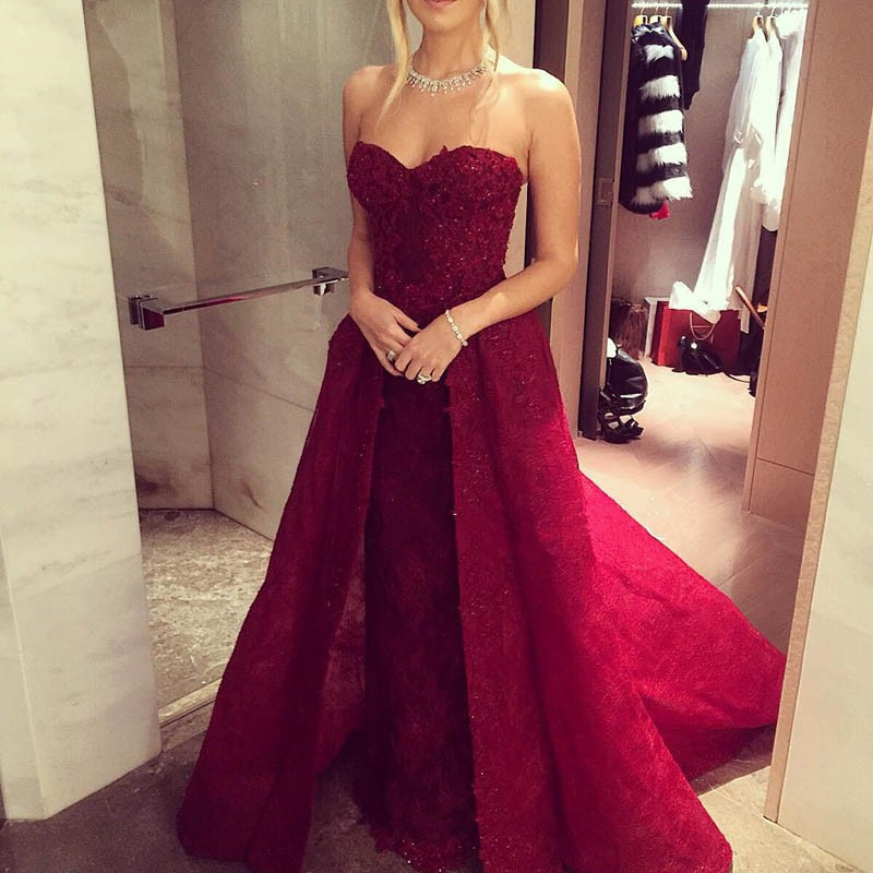 Charming Wine Red Lace Prom Dress - Sweetheart Sleeveless Beading with Detachable Train