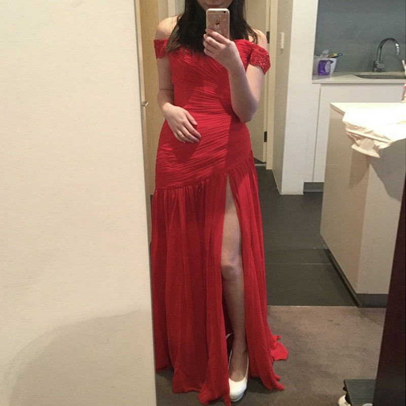 Sheath Off-the-Shoulder Floor-Length Red Chiffon Prom Dress with Ruched
