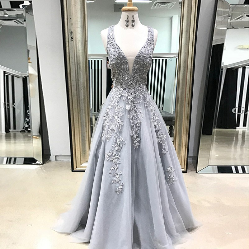 A-Line Scoop Floor-Length Grey Tulle Prom Dress with Appliques