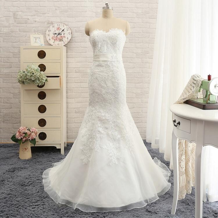 Elegant Mermaid Sweetheart Sash Wedding Dress with Appliques