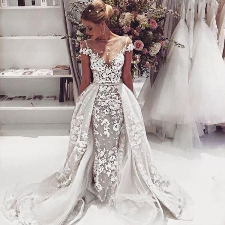 Sexy Mermaid/Trumpet Scoop Court Train Cap Sleeves Lace Wedding Dress