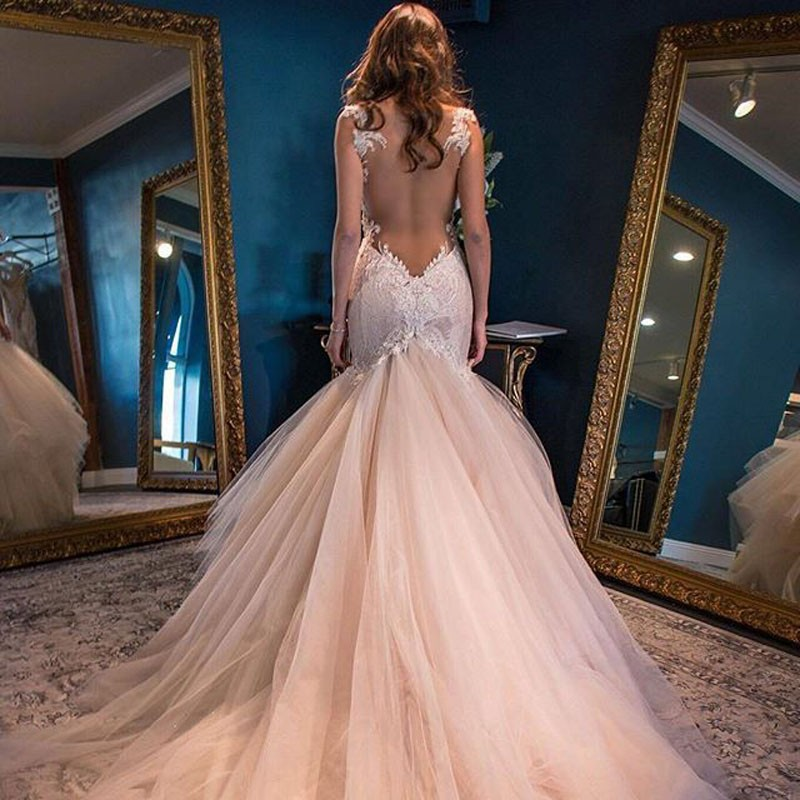 Elegant Sweetheart Watteau Train Mermaid Wedding Dress Backless with White Lace
