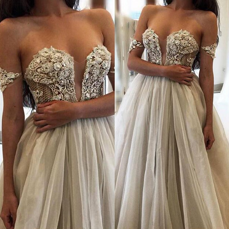 Stylish Sweetheart Long Wedding Dress with Appliques Flowers