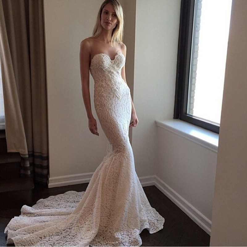 Mermaid Lace Wedding Dress with Sweep Train Sweetheart Neck