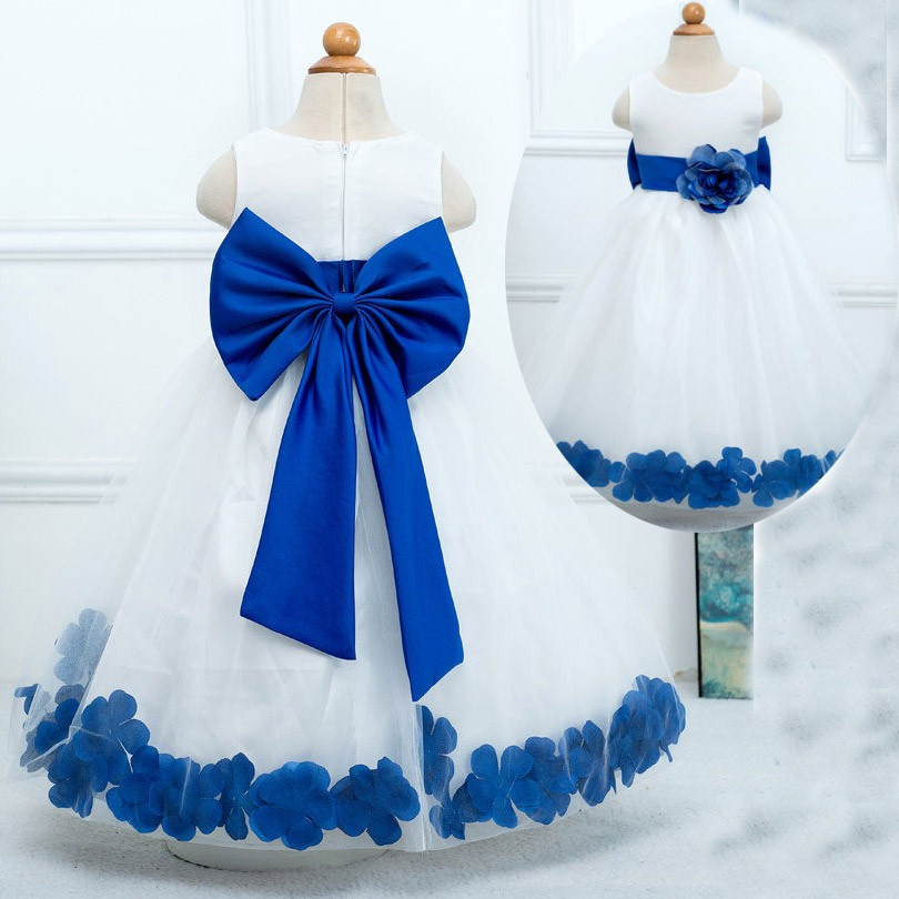 Sweet Scoop Princess Sleeveless Tulle White Flower Girl Dress Wedding Party with Blue Flower Bowknot