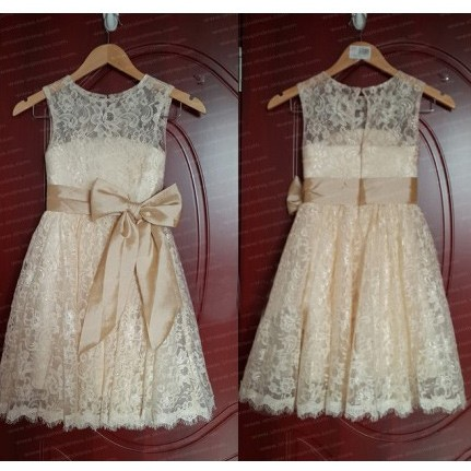 Sweet Lace Little Girl Dress/Flower Girl Dress with Bowknot