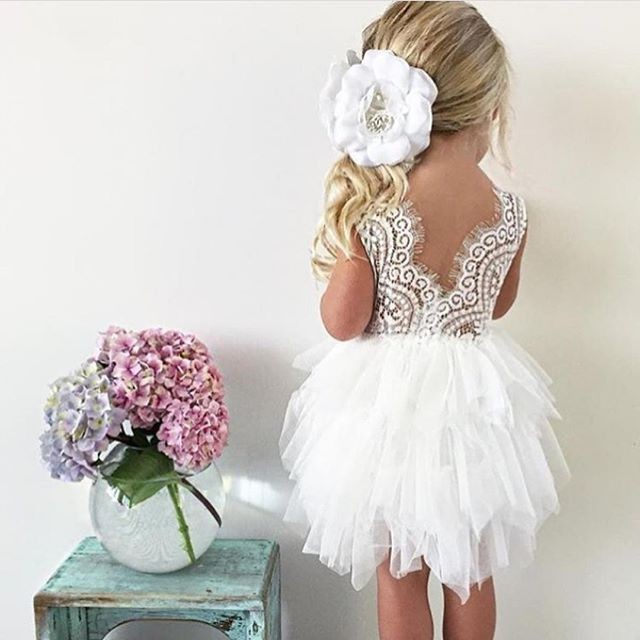 Ball Gown Round Neck Tiered Tulle Flower Girl Dress with Lace